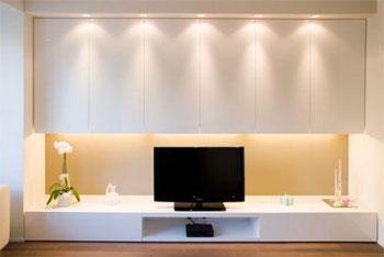 Come illuminare un angolo di soggiorno con dei faretti.