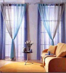 Tende per interni adatte all\'arredamento del soggiorno